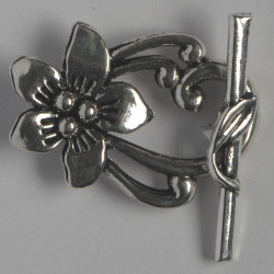 F4064s - Fancy Floral Toggle Clasp. Pack of 4. Silver Coloured.