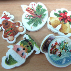 Mixed Christmas buttons. Pack of 20