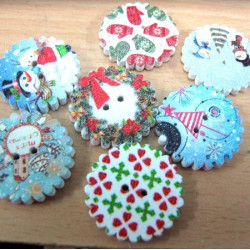 Christmas buttons, pack of 15